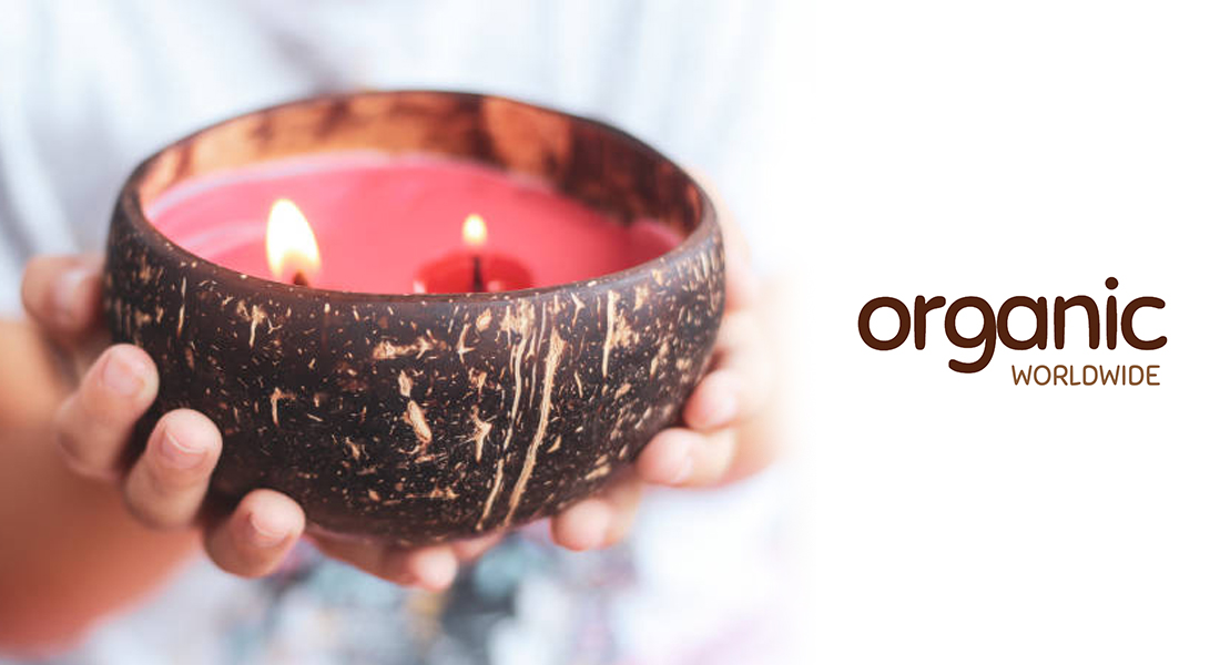 The-depth-in-scents–coconut-candles